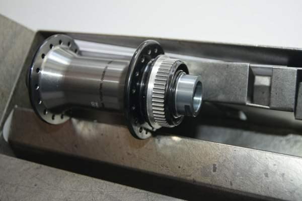 Shimano XTR Vorderradnabe HB-M9110-B für 15x110 mm BOOST Steckachse 32 Loch