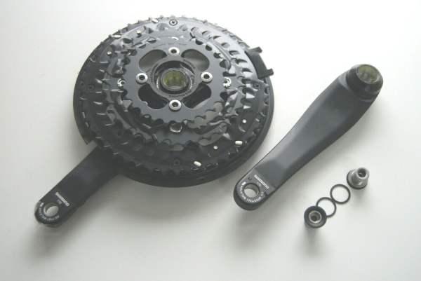 Shimano FC-T521 Trekking Octalink Kurbelgarnitur 48x36x26 - schwarz mit Kurbelschrauben